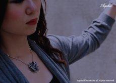 アゲハ蝶と蜘蛛の巣のペンダント072