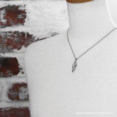 [キングダム 公式コラボアクセサリー]羌瘣(きょうかい)モデル シルバーペンダント 【White clover】