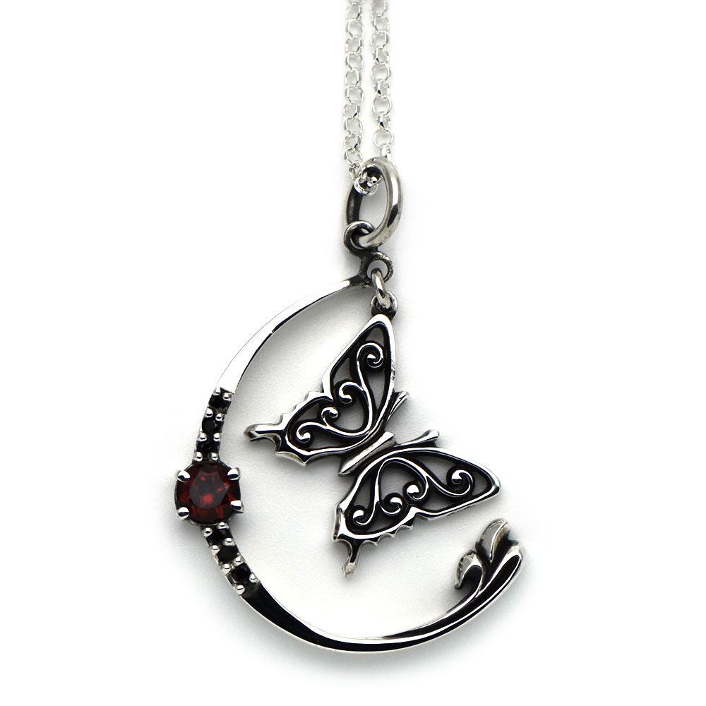 アゲハ蝶と月のペンダント