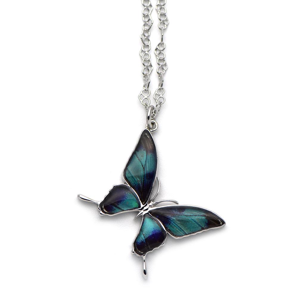 グリーンのグラデーションが美しい蝶のペンダント028(シルバー)